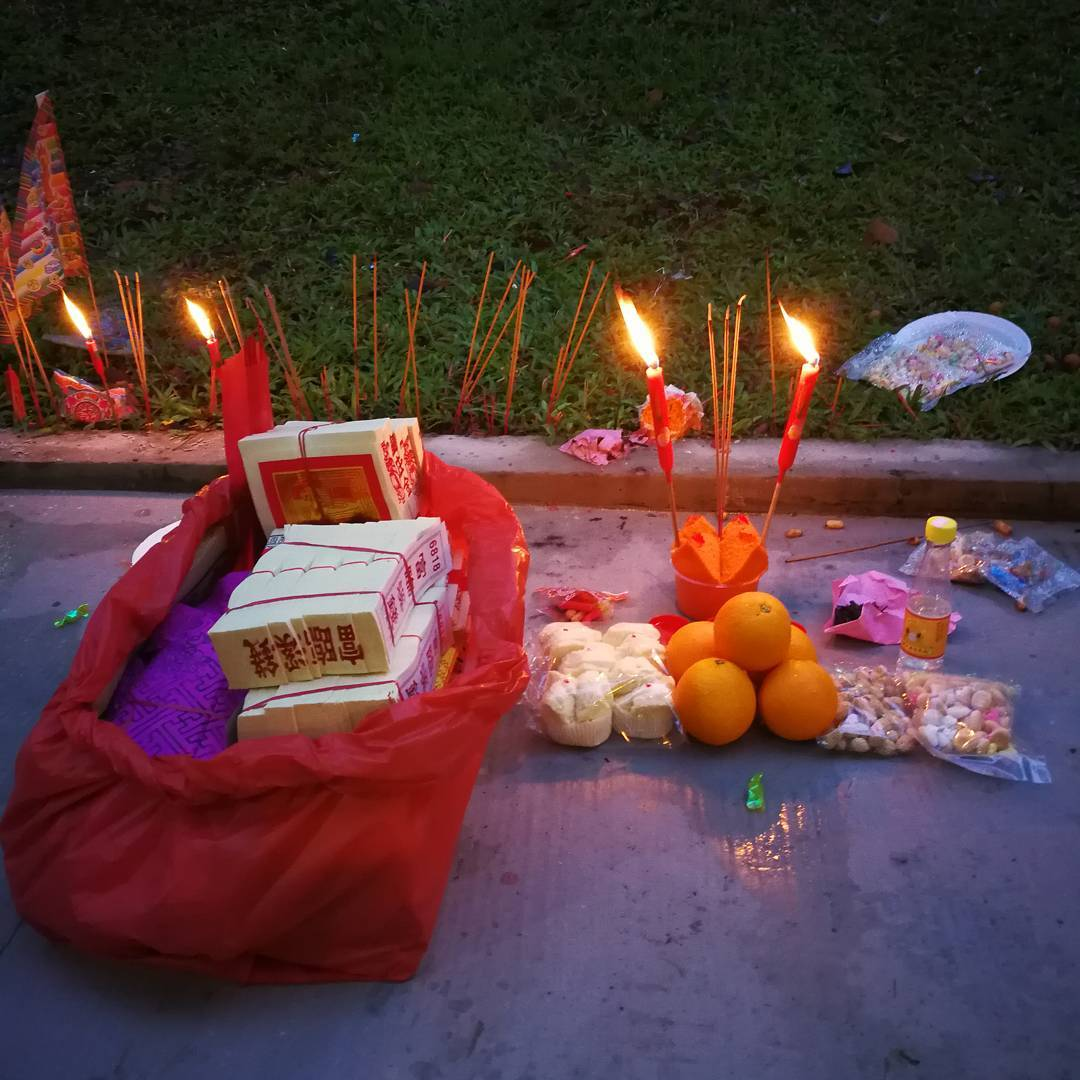travel_hungry-ghost-festival-singapore_1